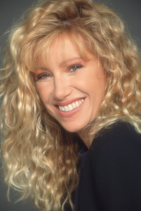 """""""Step by Step""""Suzanne Somers1991 ABC © 1991 Mario Casilli - Image 4538_0011"""