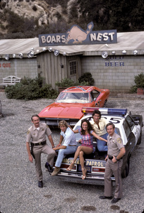 """The Dukes of Hazzard""Byron Cherry, Catherine Bach, Christopher Mayer1982 © 1982 Gene Trindl - Image 4599_0021"