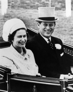 Queen Elizabeth II and Prince Philip arrive for the final day of the Ascot Races1969 - Image 4618_0013