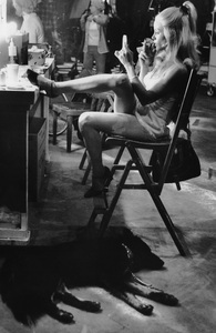 """Sue Lyonapplying make-up backstage for """"Love, American Style""""December 1973 - Image 4635_0003"""