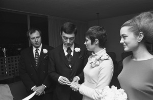 Vidal Sassoon and Beverly Adams on their wedding day1967 © 1978 Gunther - Image 4748_0009