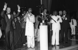 CBS Record Executives Tribute to Stevie Wonder, Los Angeles, CARod McGrew, Glodean White, Barry White, Stevie Wonder, Lou Rawls, Curtis Mayfield and CBS Record Executivescirca 1975© 1978 Bobby Holland - Image 4804_0060