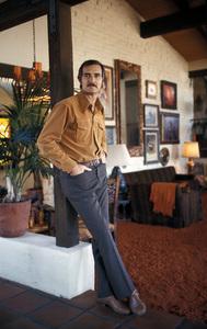 Dennis Weaver at home1970 © 1978 Gene Trindl - Image 4813_0006