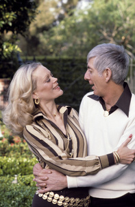 Aaron Spelling at home with his wife Candy1979 © 1979 Gene Trindl - Image 4814_0054