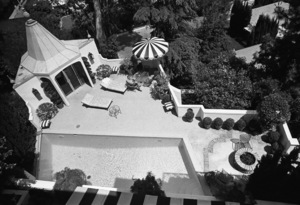 Paul Lynde at home 1972 © 1978 Gene Trindl - Image 4857_0024