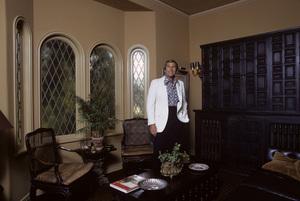 Paul Lynde at home1972© 1978 Gene Trindl - Image 4857_0053