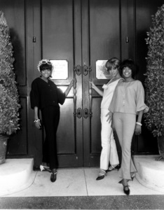The SupremesDiana Ross, Florence Ballard and Mary Wilson in front of the Brown Derby Restaurant1966 © 1978 Bud Fraker - Image 4865_0048