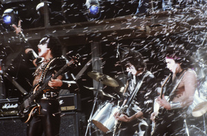 """Kiss"" Paul Stanley, Gene Simmons, Peter Criss, Ace Frehley circa 1980 ** H.L. - Image 4871_0028"