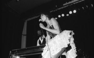 Syreeta Wright performing live in Los Angeles 1979© 1979 Bobby Holland - Image 4884_0038
