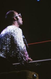 Elton John in concert1974 © 1978 Bregman-Sutton - Image 4960_0002