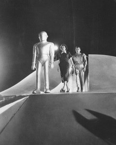 """The Day the Earth Stood Still""Michael Rennie, Patricia Neal & Hugh Marlowe 1951 20th **I.V. - Image 5090_0007"