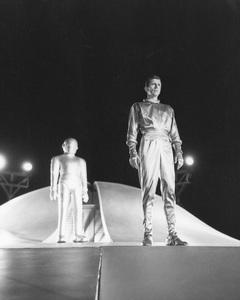 """The Day the Earth Stood Still""Michael Rennie & Hugh Marlowe1951 20th **I.V. - Image 5090_0009"