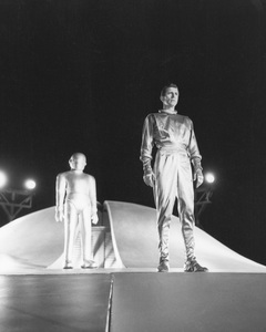 """The Day the Earth Stood Still""Michael Rennie & Hugh Marlowe1951 20th **I.V. - Image 5090_0009"