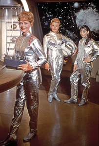 """Lost in Space"" June Lockhart, Marta Kristen, Angela Cartwright circa 1965 © 2009 Space Productions ** I.A. - Image 5095_0006"