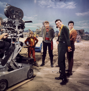 """Lost in Space"" Bill Mumy, Albert Salmi, Guy Willams & Mark Goddard circa 1966 © 2009 Space Productions ** I.A. - Image 5095_0107"