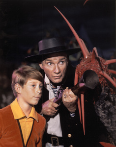 """""""Lost in Space"""" Bill Mumy & Jonathan Harris circa 1966 © 2009 Space Productions ** I.A. - Image 5095_0111"""