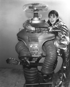 """""""Lost in Space"""" Angela Cartwright & Bob May (Robot) circa 1965 © 2009 Space Productions ** I.A. - Image 5095_0127"""