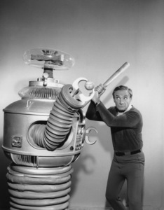 """Lost in Space"" Jonathan Harris & Bob May (Robot) circa 1965 © 2009 Space Productions ** I.A. - Image 5095_0131"