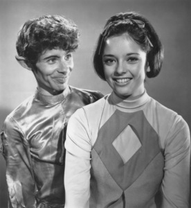 """Lost in Space"" Lou Wagner and Angela Cartwright circa 1965 © 2009 Space Productions ** I.A. - Image 5095_0135"