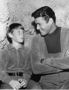 """""""Lost in Space"""" Bill Mumy & Guy Williams circa 1965 © 2009 Space Productions ** I.A. - Image 5095_0141"""