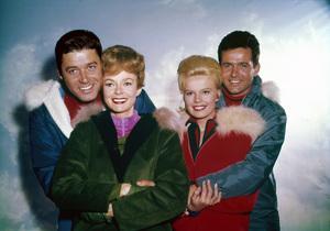 """Lost in Space"" (Season 1)Guy Williams, June Lockhart, Marta Kristen, Mark Goddard1965Photo by Gabi Rona© 2015 Legend Pictures, LLC - Image 5095_0244"