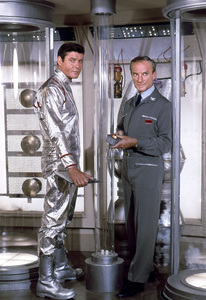 """""""Lost in Space"""" (Season 1)Guy Williams, Jonathan Harris1965Photo by Gabi Rona© 2015 Legend Pictures, LLC - Image 5095_0248"""