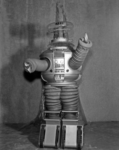 """""""Lost in Space"""" (Season 1)The Robot (Model # B9)1965Photo by Gabi Rona© 2015 Legend Pictures, LLC - Image 5095_0252"""