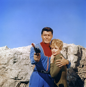 """""""Lost in Space"""" (Season 1)Guy Williams, June Lockhart1965Photo by Gabi Rona© 2015 Legend Pictures, LLC - Image 5095_0253"""