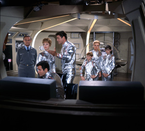 """Lost in Space"" (Season 1)Mark Goddard, Jonathan Harris, June Lockhart, Guy Williams, Bill Mumy, Marta Kristen, Angela Cartwright1965Photo by Gabi Rona© 2015 Legend Pictures, LLC - Image 5095_0255"