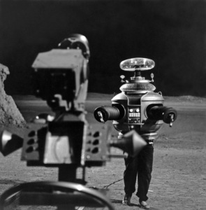 """""""Lost in Space"""" (Season 1)The Robot (Model # B9)1965Photo by Gabi Rona© 2015 Legend Pictures, LLC - Image 5095_0257"""