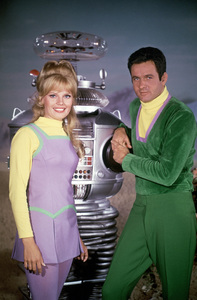 """Lost in Space"" (Season 3)Marta Kristen, Mark Goddard, Bob May (Robot)circa 1967Photo by Gabi Rona© 2015 Legend Pictures, LLC - Image 5095_0271"