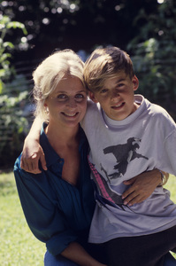 Kristin Harmon Nelson and her son, Sam1987© 1987 Gunther - Image 5161_0117