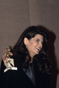 Kirstie Alley and her Golden Globe award1991© 1991 Gunther - Image 5162_0007