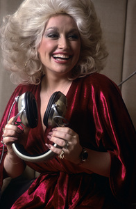 Dolly Parton at recording session1978 © 1978 Ed Thrasher - Image 5184_0012