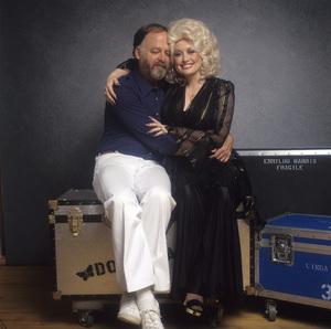 Photographer Ed Thrasher and Dolly Parton1978© 1978 Ed Thrasher - Image 5184_0072