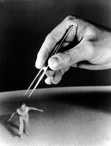 """The Incredible Shrinking Man""Grant Williams1957 Universal - Image 5350_0003"