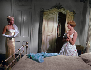 """The Sound of Music"" Julie Andrews, Eleanor Parker1965 20th Century Fox ** I.V. - Image 5370_0160"