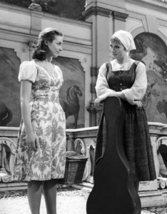 """""""The Sound of Music""""Charmian Carr, Julie Andrews1965 20th Century Fox** I.V. - Image 5370_0204"""