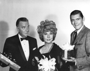 """Bewitched""Maurice Evans, Agnes Moorehead, Dick Yorkc. 1971 ABC**I.V. - Image 5406_0059"