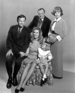 """""""Bewitched"""" Dick York, Elizabeth Montgomery,Maurice Evans,Agnes Moorehead,Erin Murphyc. 1967 ABC**I.V. - Image 5406_0066"""