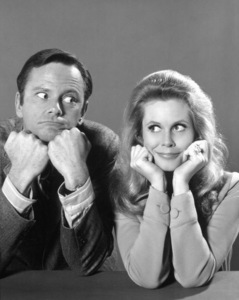 """""""Bewitched""""Dick Sargent and Elizabeth Montgomeryc. 1970 ABC**I.V. - Image 5406_0082"""