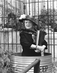 """""""Bewitched""""Marion Lornec. 1967 ABC**I.V. - Image 5406_0085"""