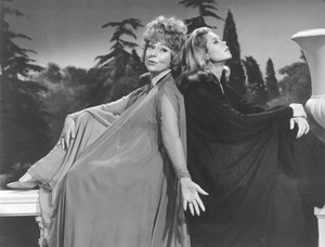 """""""Bewitched""""Agnes Moorehead and Elizabeth Montgomery circa 1967**I.V. - Image 5406_0092"""