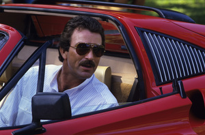 """Magnum P.I."" Tom Selleck and his Ferrari 308 GTS QV1985 © 1985 Gene Trindl - Image 5412_0059"