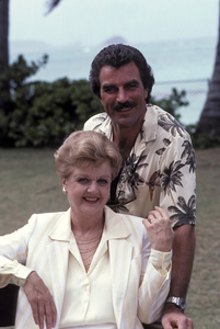 """Magnum, P.I."" (Episode: Novel Connection)Angela Lansbury, Tom Selleck1984 © 1984 Gene Trindl - Image 5412_0084"