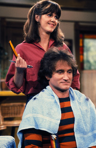 """Mork & Mindy""Robin Williams, Pam Dawber © 1978 David Sutton - Image 5414_0022"