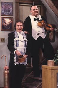 """Mork & Mindy""                                                               Robin Williams,Jonathan Winters1982 ABC © 1982 David Sutton - Image 5414_0042"