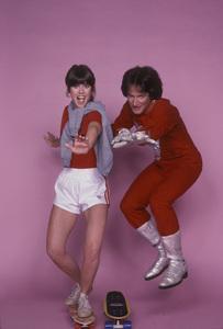 """Mork and Mindy""Pam Dawber, Robin Williams1978**H.L. - Image 5414_0125"