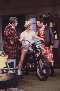 """Happy Days""Tom Bosley, Ron Howard, Henry Winklercirca 1976 © 1978 Gene Trindl - Image 5417_0133"