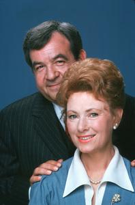 """Happy Days""Tom Bosley, Marion Ross1975 ABC / MPTV - Image 5417_0208"